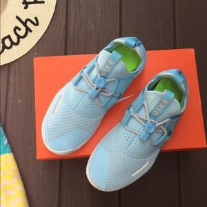 Fits Wm 8 Free Run Commuter blue Youth Girl size 7